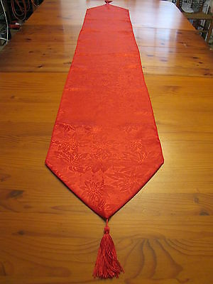 Red Poinsettia Xmas Fancy  Table Runner Piano Banquet Centerpiece Tassel