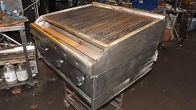 Commercial All Stainless Steel Lincat 3 Foot Charcoal Grill --- Natural Gas