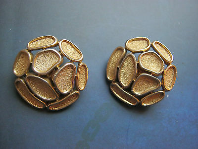 Vintage signed Trifari gold tone clip on earrings