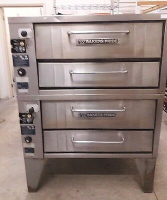 251 Bakers Pride Double Deck Pizza Oven gas