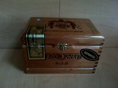 Cigar Box FLOR FINA 8-5-8 made in Dominican Republic 780 Chest Style