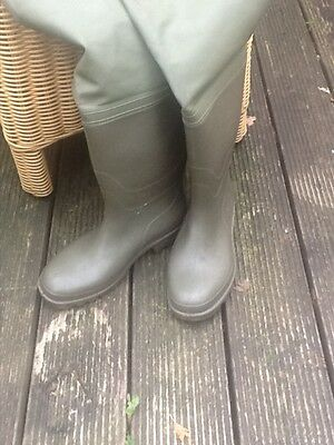 Fisherman's waders green size 10