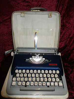 VTG used Typewriter ROYAL/McBEE ROYALITE 120 in two tone with Case 60s