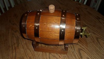 Vintage oak whiskey/brandy/sherry keg Barrel with Copper Straps and brass tap
