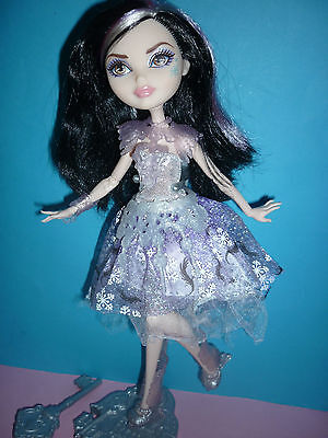 Ever After High Fairest On Ice Duchess Swan Doll inc Stand & Brush