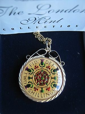 UK 1965 Elizabeth II Goldplated Enamelled 2 Two Shillings Florin Coin Pendant