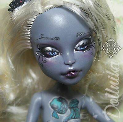 Monster high repaint OOAK  Meowlody