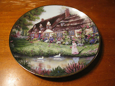 """The Franklin Mint Heirloom Collection """"Penelope's Cottage"""" Collector Plate"""