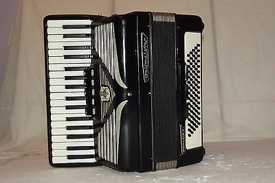 Piano accordion akkordeon WELTMEISTER MANUELA 80 bass