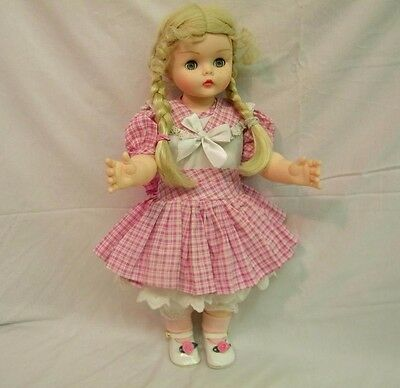 "Madame Alexander KELLY & KITTY  20"" Doll"