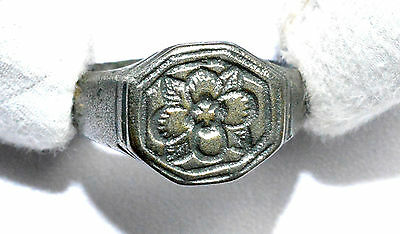 Stunning Medieval Silver Ring / Wedding Band (?)  With Floral Decoration  - A416