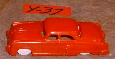 Bachmann  Plasticville  Brand New Bright Red  Car O-Scale.
