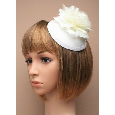 Cream Fascinator on Headband/ Clip-in for Weddings, Races and Occasions-5501