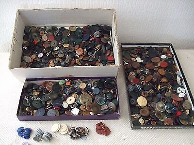 Old haberdashery sew button  lot important d'anciens boutons mercerie couture