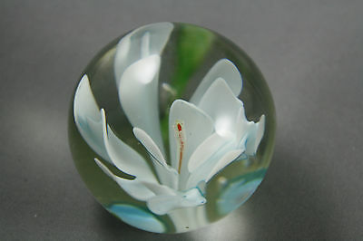 "Vtg Miniature Paperweight White Crocus 1 3/4"" Diameter and Height"