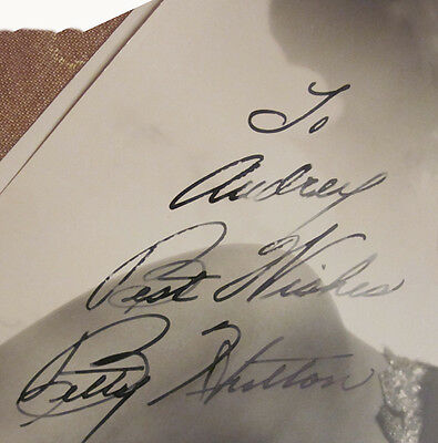 1946 Sexy Betty Hutton Autographed 8 x 10 Photograph