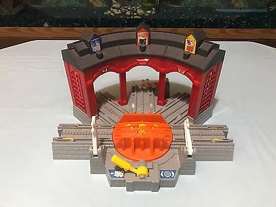 Fisher Price Geotrax Working Roundhouse
