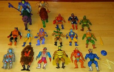 17 He-Man Figuren + 2 Battle Cat + Zubehör Master of the Universe Lot Konvolut