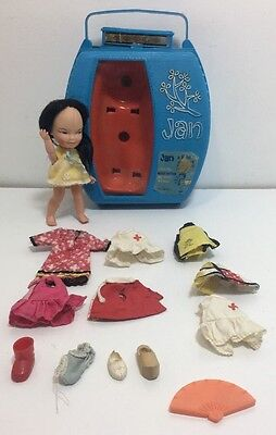 Remco 1965 JAN AND HEIDI VINTAGE DOLLS With Blue Jan Case  8 OUTFITS, FAN, SHOES