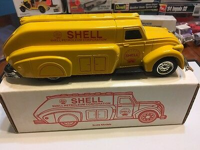 Shell 1938 Dodge Airflow Tanker Bank  1996 Promo