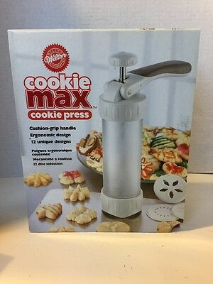 Wilton Cookie Max Cookie Press with 12 Discs, Instructions, and Recipes NIB
