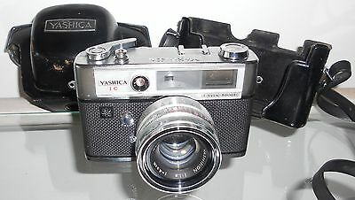 Vintage Yashica IC Lynx 5000E 35 mm Camera 1:1.8 f=4.5 cm Lens 1969 with Manual