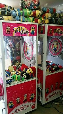 Prize redemption machine Minions Claw machine supplied with 100 soft toys