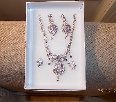 Asian Style Fashion Jewelry Necklace & Earings