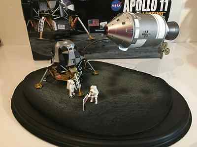 Apollo 11 Lunar Landing CSM LM Astronaut Dragon Space 50381