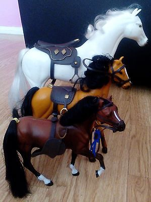 Kid Kore White Horse & 2 Other Horses For Dolls.