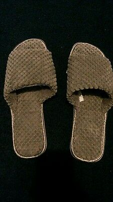 bnwot slippers grey, cushioned sole, size 5-6