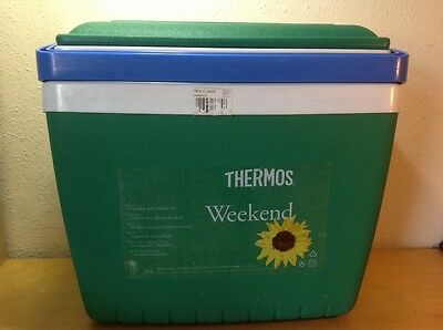 THERMOS Weekend Cool Box In Emerald Green 28l. RRP £45. Collection From M33.