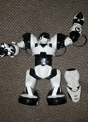 WowWee Large Robosapien White Edition Interactive RC Robot Remote & Instructions