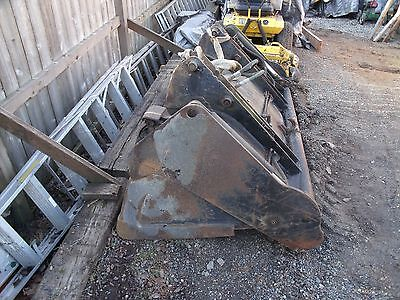 4 In 1 Tractor Bucket From A Ford 545 Great Condition