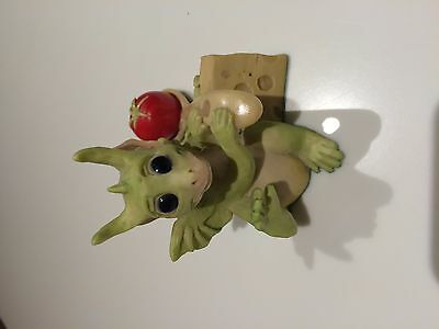 "Whimsical world of pocket dragons ""Attack""! -rare and retired in Dec 1992"