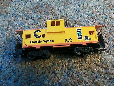 HO Gauge Chessie System Caboose