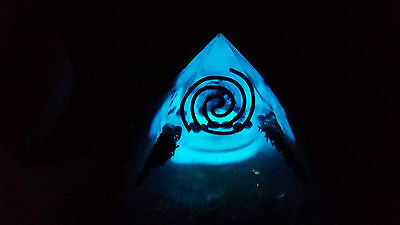 Large unique [10cm]Glowing Orgone/Orgonite Double Pyramid.