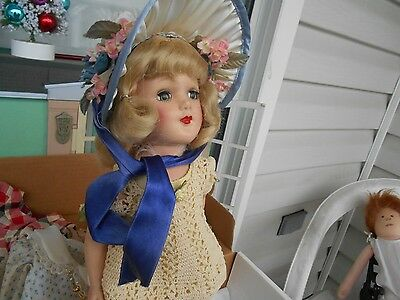 Beautiful Minty Blonde Rare Mary Hoyer w Box & Some clothes