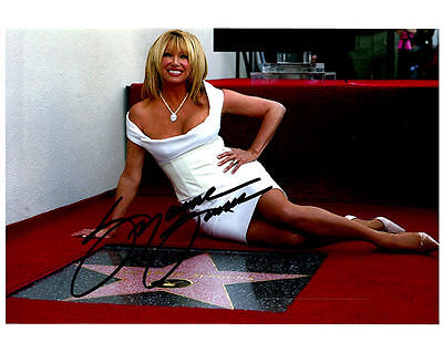 SUZANNE SOMERS Authentic Hand Signed Autographed 8x10 Photo w/ COA - # 4