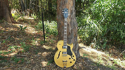 HOLLOW BODY ELECTRIC GUITAR ES175 style Copy with hard case