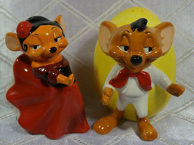 Speedy Gonzales & Carmela Warner Brothers Salt And Pepper Shaker Set