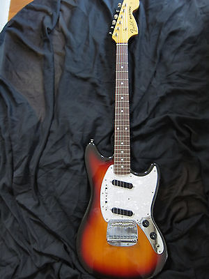 Fender Mustang Guitar, '69 style, Sunburst, 1997-2000, Crafted in Japan