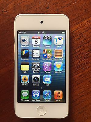 iPod Touch 16gb 4th gen silver and white - Excellent cond.