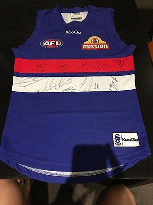 Signed Western Bulldogs