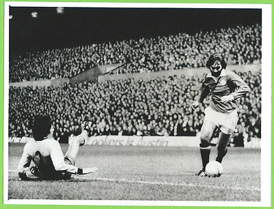 Press Photo 3/10 1973 Manchester United v Ajax George Best Returns