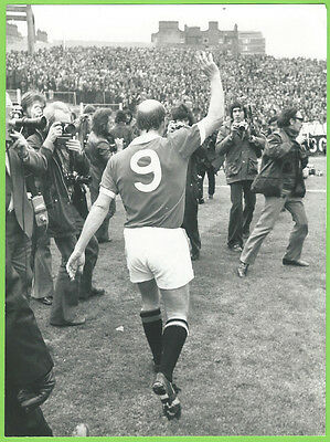 Press Photo 28/4 1973 Chelsea v Manchester United Bobby Charlton Farewell Game