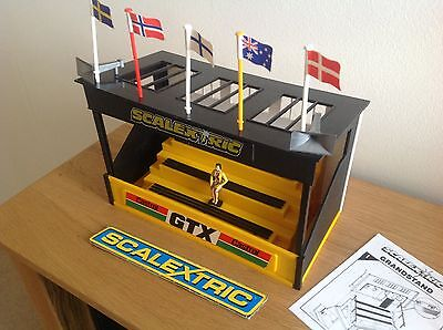 """Scalextric  """"castrol Gtx""""grandstand With Instructions  Excellent Condition  C705"""