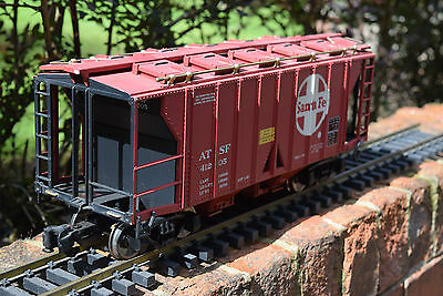 Aristo Craft Trains 41205 Santa Fe Hopper- G Gauge Wagon