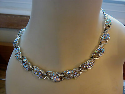 Vintage Coro signed rhinestone necklace, glitters blue, clear or lilac, goldtone