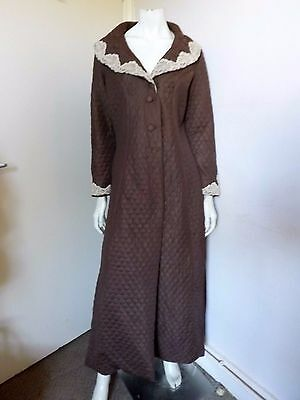 Vintage 70s KAYSER ~ Chocolate Quilted Fitted Dressing Gown w Lace Trims S